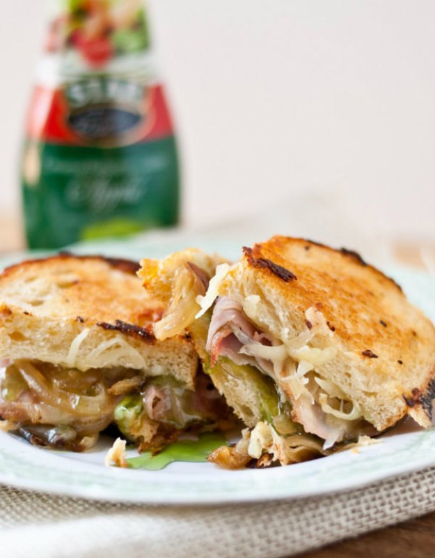 Gruyere, Ham, and Caramelized Onion Grilled Cheese