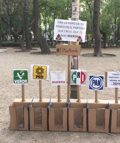 Precisamente, en el Parque México, unos genios encontraron una forma efectiva de lograr que los dueños de los perros recojan y tiren sus bolsitas en un lugar confinado.