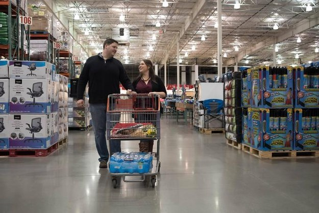 Costco is a magical wonderland filled with free samples, bulk batteries, and all of the $1.50 hot dogs you could ever want. The store also, as you will learn from Karinne Tarshish and Dan Klamet's engagement pictures, really nails the ~trendy~ warehouse-chic vibe.