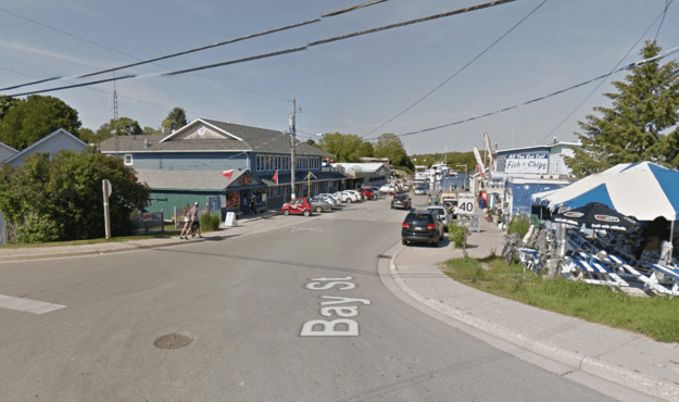 The wrong turn sent her directly into Little Tub Harbour, which was just about 30 meters from the road, police spokesperson Katrina Rubinstein-Gilbert told BuzzFeed News.