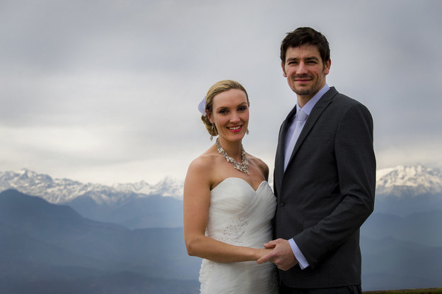 This is Brett and Amelia Irwin, who currently live in Johannesburg, South Africa. They got married in 2015.