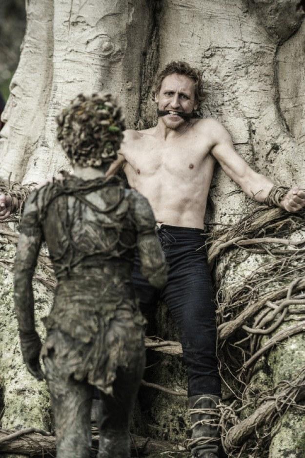 Hay quienes llevaron esta teoría al siguiente nivel y piensan que por culpa de Bran, su antepasado pudo haberse convertido en el Night King.