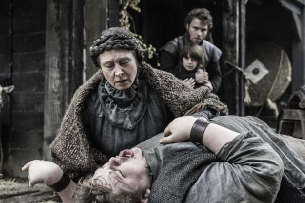 Además, la Vieja Nan era la bisabuela de Hodor.
