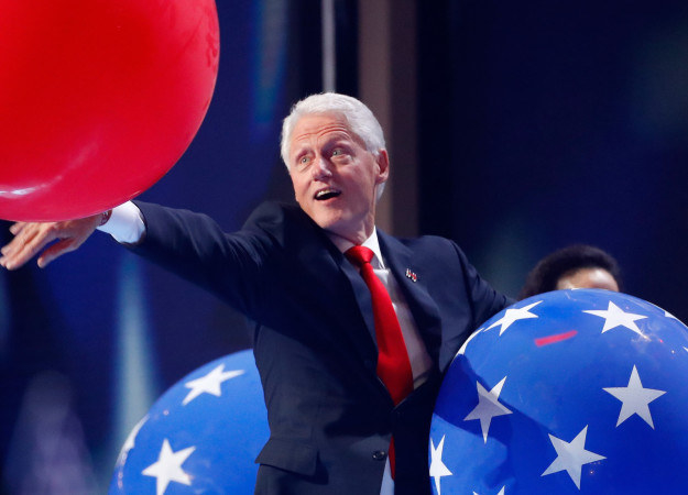 This post about how much Bill Clinton loves balloons.