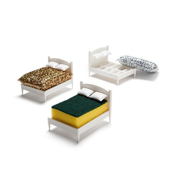 Look at this cute little sponge bed!