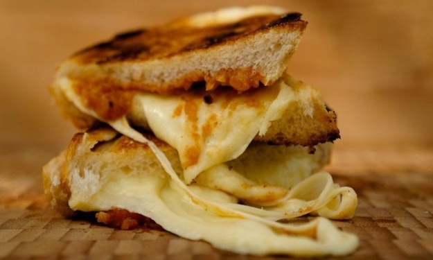 Gruyère and French onion toastie
