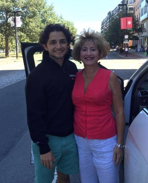 """Das ist Nick Avallone aus Lancaster, Pennsylvania, mit seiner Mama Eleanor. """"Sie ist ein Engel"""", so der 20-jährige Student gegenüber BuzzFeed News."""