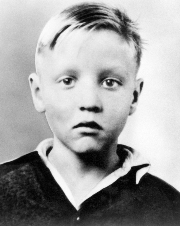 Elvis Presley as a 5 year old in 1940.