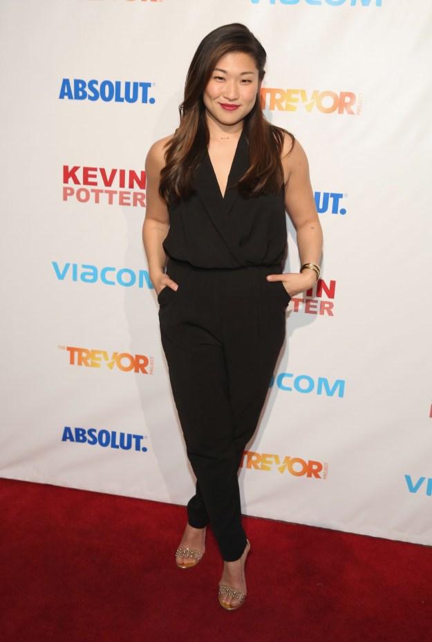 Or a simply chic black one like Jenna Ushkowitz: