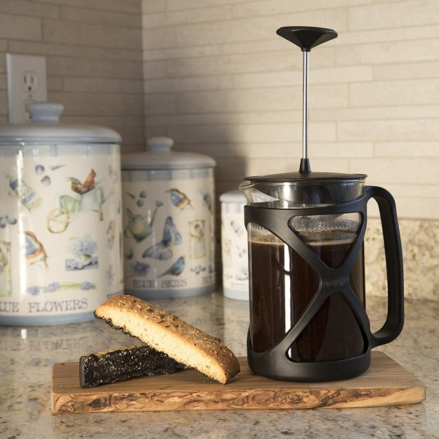 A cheap AF coffee press that can make 6 cups.