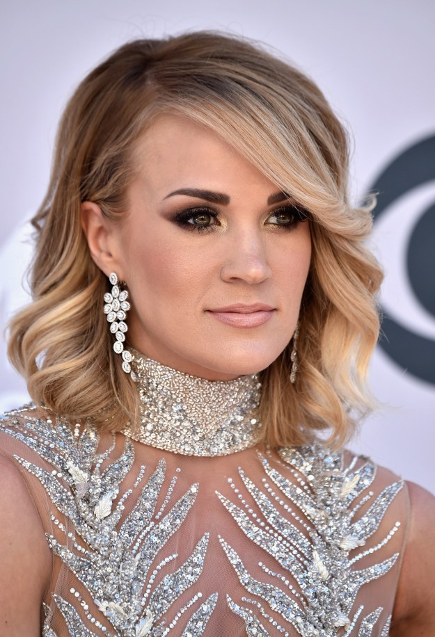 We all know Carrie Underwood – amazing country singer, American Idol winner, goddess of beauty.