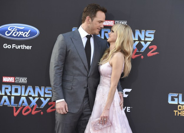 Naturally, the pics are perfect and I will never get tired of photos of them gazing into each others eyes, kissing, and other typical red carpet poses that all couples do — though not as well as Chris Pratt and Anna Faris.