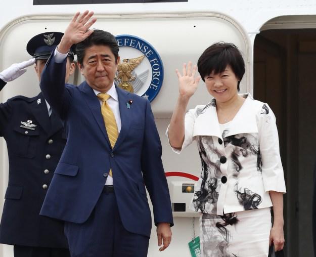 学園の加計孝太郎理事長と安倍首相はアメリカ留学時代から知り合いで、長年の友人だ。
