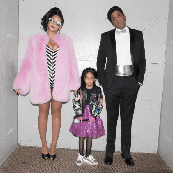 15 hilariously fake blue ivy reactions