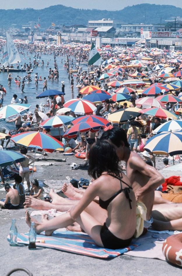1971年、鎌倉・材木座海水浴場。
