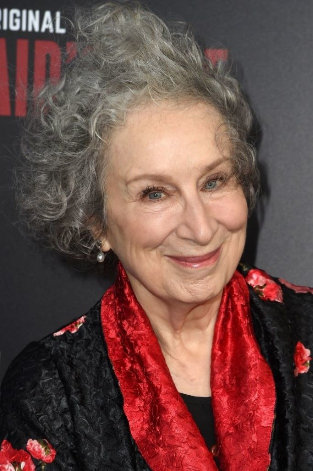 Anyway, we wouldn't even have this awesome show if it wasn't for this genius right here, aka Canadian author, Margaret Atwood, who wrote the 1985 novel of the same name that the series is based on.