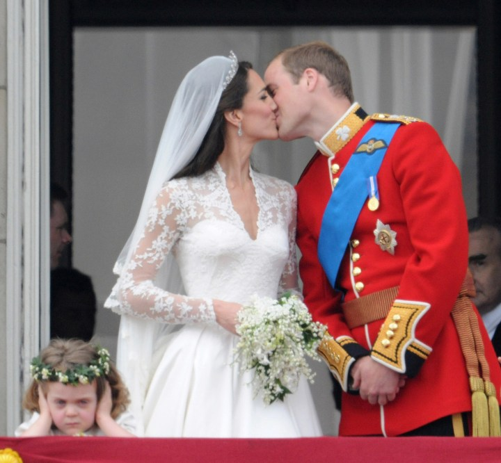 16. And this kiss, 30 years later, in 2011 at the wedding of their son Prince William and his wife Catherine: