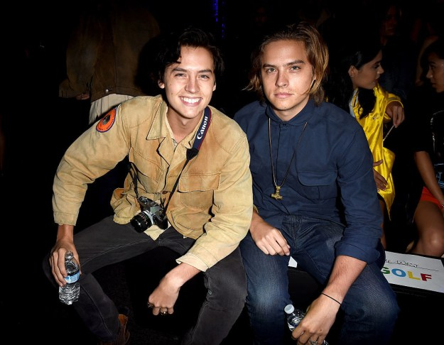 World, if ya haven't already, please meet Dylan and Cole Sprouse. They're actors, artists, recent NYU grads, and grade-A Twitter users. They also happen to be twins.