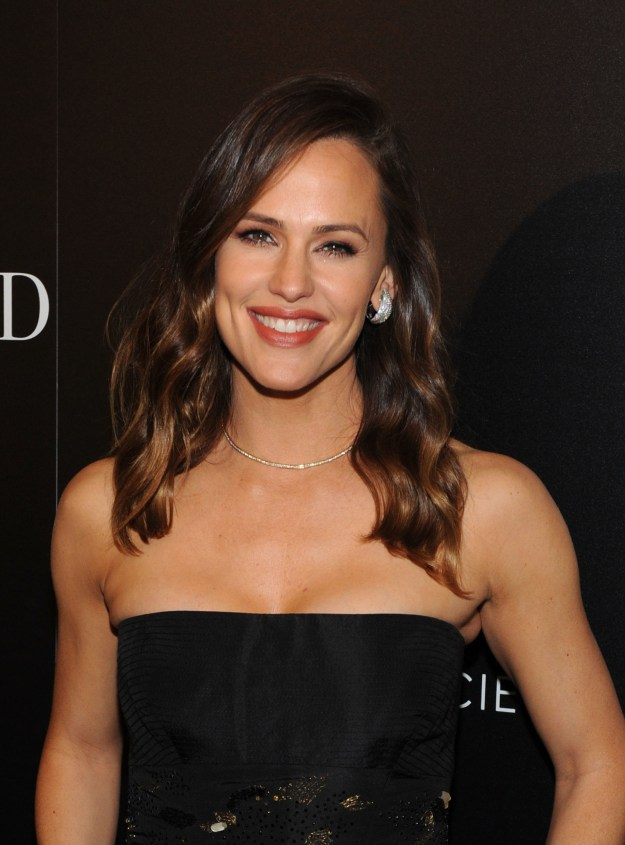 IDK if it's just the dimples or not, but Jennifer Garner is adorable.