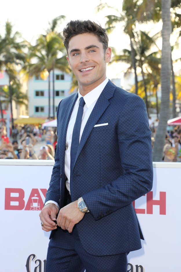 Hi, it's me, Cap'n obvious here to say that Zac Efron is hot. DUH!!!