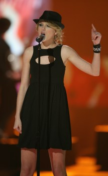 Taylor Swift 2008 CMT Music Awards