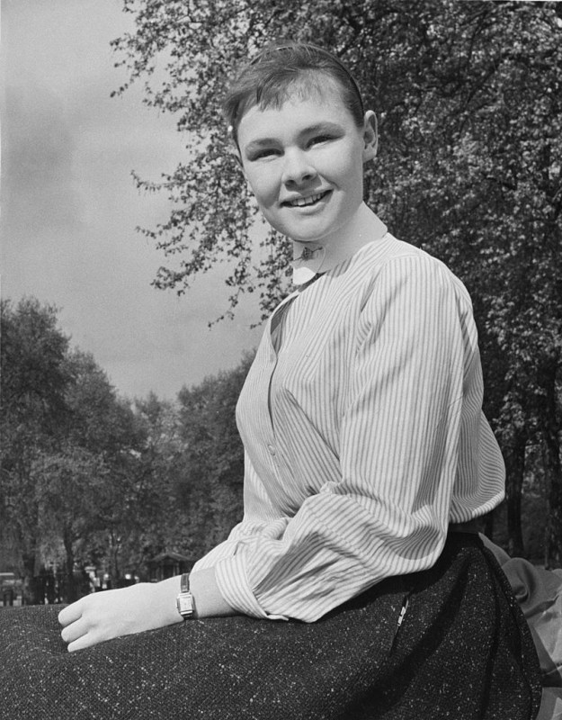 This is Judi Dench in 1957 when she was just 20 years old, and wow she has literally always been stunning.