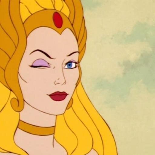 """Super independente, ela morava em um planeta diferente dos pais e do irmão, He-Man. Não havia príncipe à vista, mas junto com seu """"squad"""" de rainhas rebeldes ela tocava o terror nos vilões e ninguém mexia com ela não."""