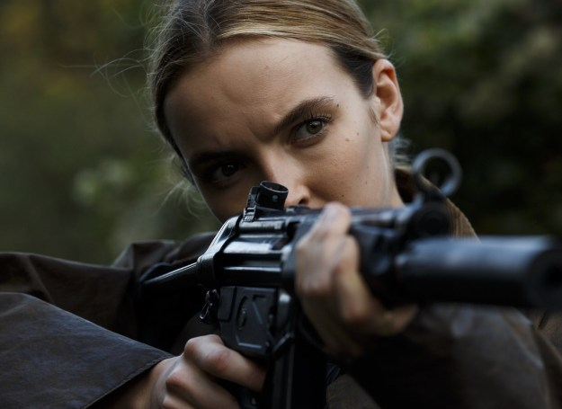 And on the other side of the job spectrum, there's Villanelle (Jodie Comer): an elegant, sociopathic, talented assassin who clings to the luxuries her violent job affords her.
