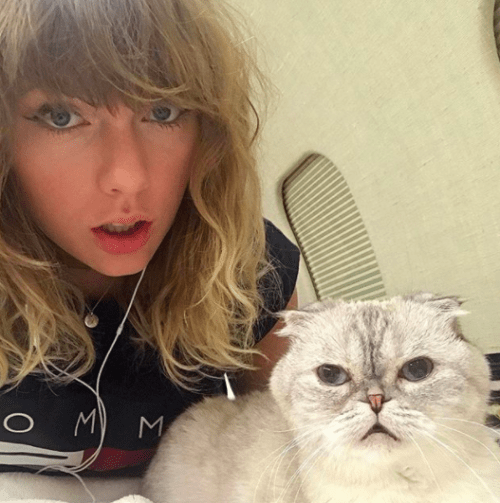 So, in case you didn't know, Taylor Swift is SUPER protective of her albums before they're officially released.