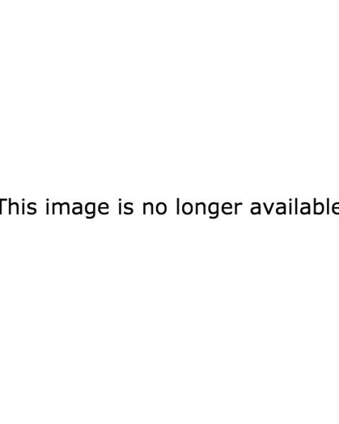 """Zayn is the cover boy for the February issue of Elle India, and can someone give me a """"HOTDAYUM""""???"""