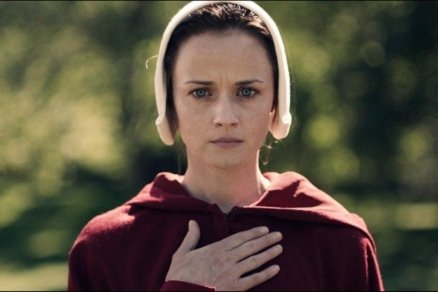 If you watched the first season of The Handmaid's Tale, you'll definitely remember Ofglen (Alexis Bledel), Offred's (Elisabeth Moss) former walking companion. Her storyline was truly harrowing.