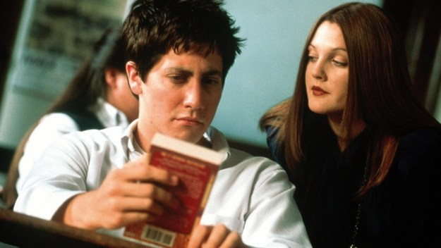 It's time to settle down and cast our minds back to 2001, when a young Jake Gyllenhaal and an also young Drew Barrymore appeared together in a little movie called Donnie Darko.