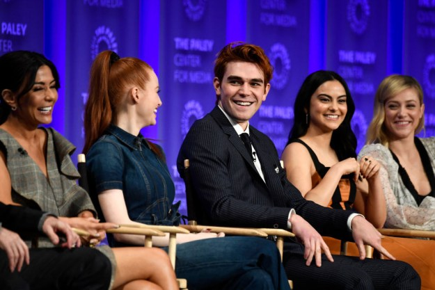 On Sunday, the Riverdale cast sat in front of a packed audience to talk about the series and answer questions.