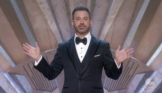 But there was one joke that really let us see the kind of friends these two are. During his monologue, Jimmy Kimmel referenced that awful Moonlight/La La Land mix-up from last year: