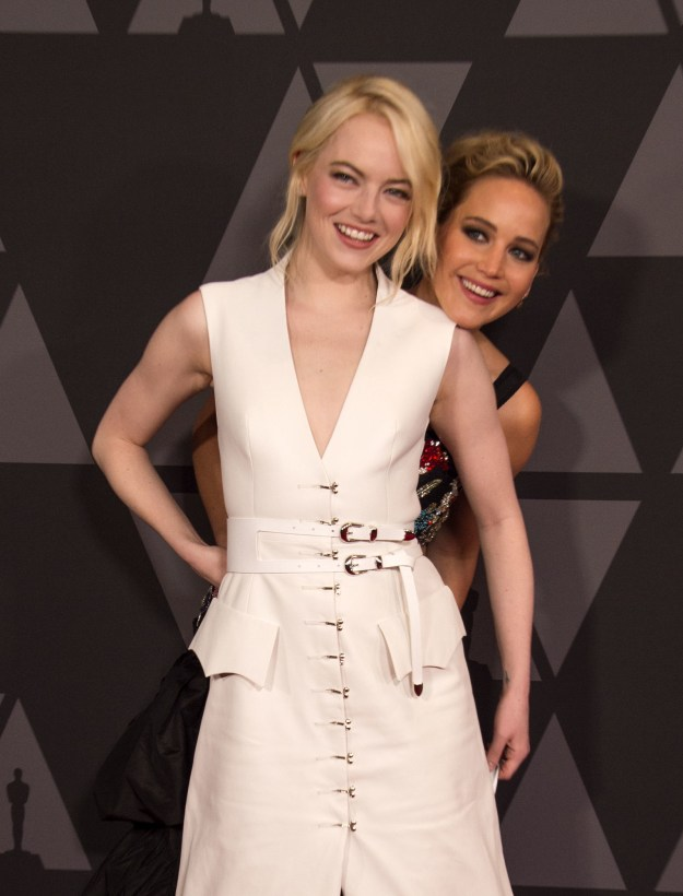 This awards season, Emma Stone and Jennifer Lawrence have solidified themselves as those celebrity friends who are JUST LIKE US!