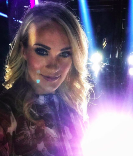 UNTIL NOW! She posted this selfie of during her ACM Awards rehearsals.