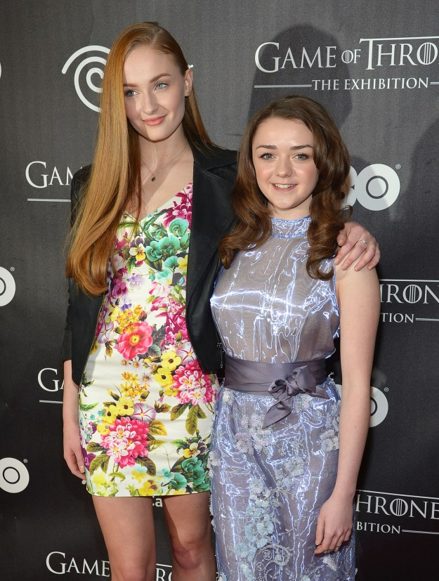 Game of Thrones besties Sophie Turner and Maisie Williams looked absolutely ADORABLE posing together on the red carpet. Our little Starks have grown up!