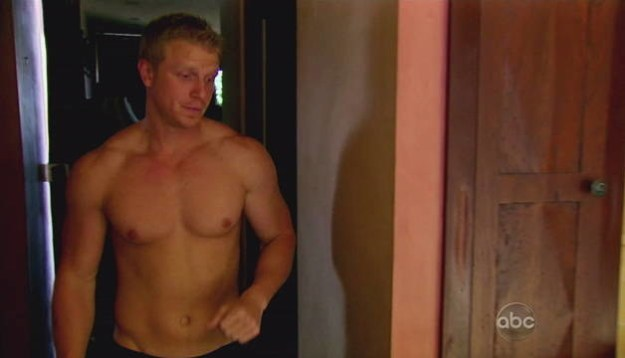 Hello, everyone. Do you remember Sean Lowe from The Bachelor?