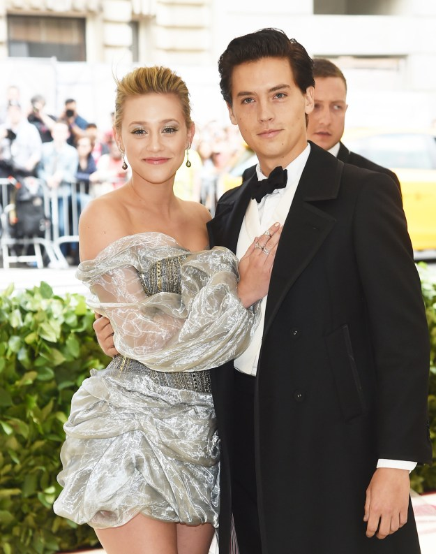 Last night, Riverdale star Lili Reinhart made her dazzling Met Gala debut with Cole Sprouse and they looked friggin' stunning together.