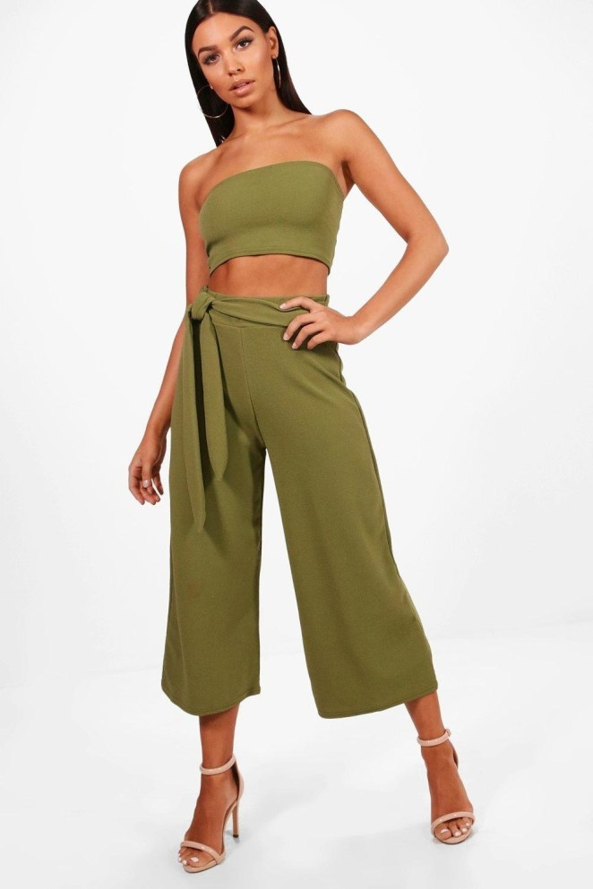 Price: $21 (originally $36, available in six colors, sizes 2–10)