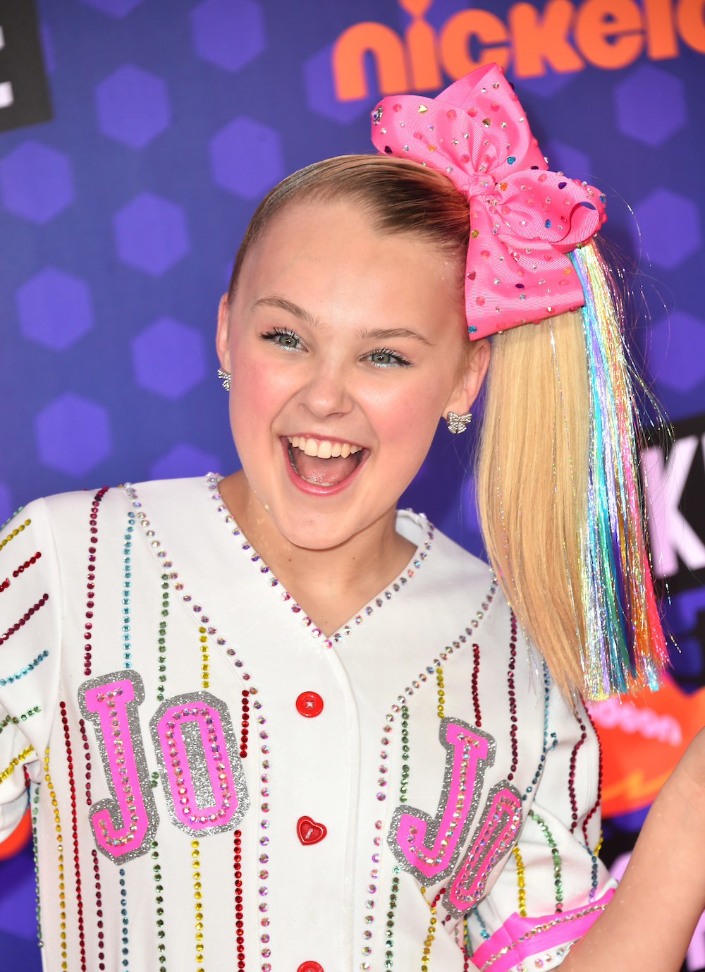 A Brief Explainer On Jojo Siwa For Everyone Who Keeps