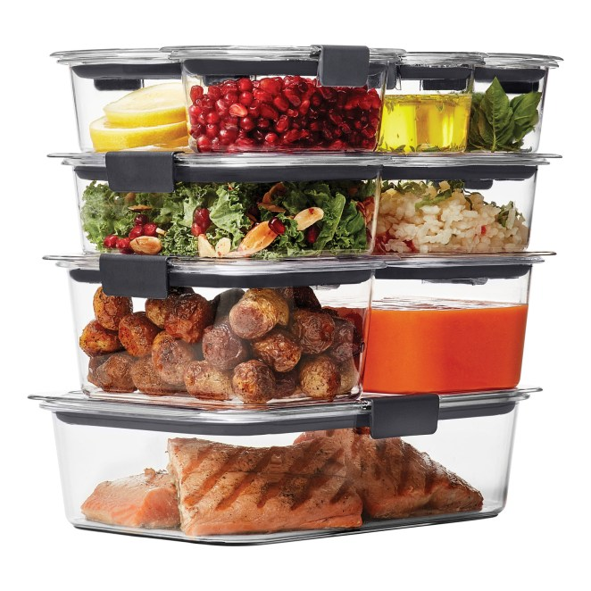 This 18-piece set includes two 0.5-cup containers with lids, two 1.3-cup containers with lids, two 3.2-cup containers with lids, two 4.7-cup containers with lids, and one 9.6-cup container with lid. These are leak-proof, BPA-free, dishwasher-safe, microwave-safe, and freezer-safe. Price: $19.26 (originally $29.98)