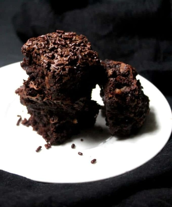 These brownies have no added oil and are naturally sweetened, so there's no reason to stop eating after just one. Get the wholegrain brownie recipe here.