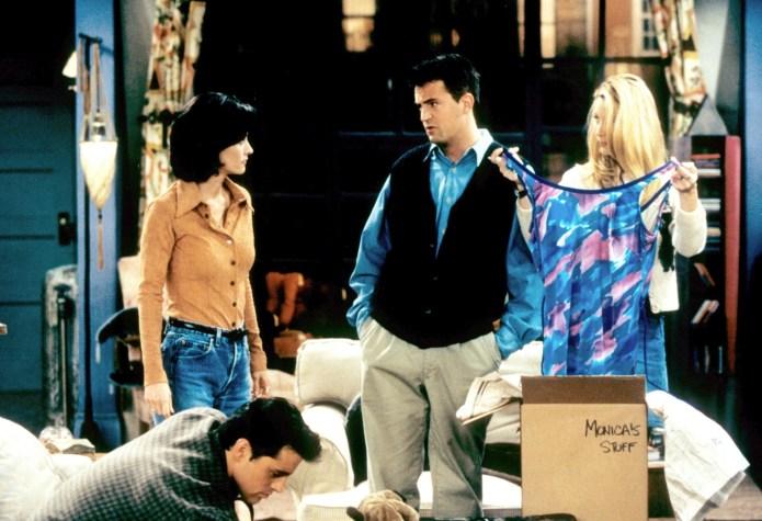 Matt LeBlanc, Courteney Cox, Perry, and Kudrow in Friends