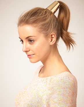 Sleek Ponytail with Simple Gold Accessory