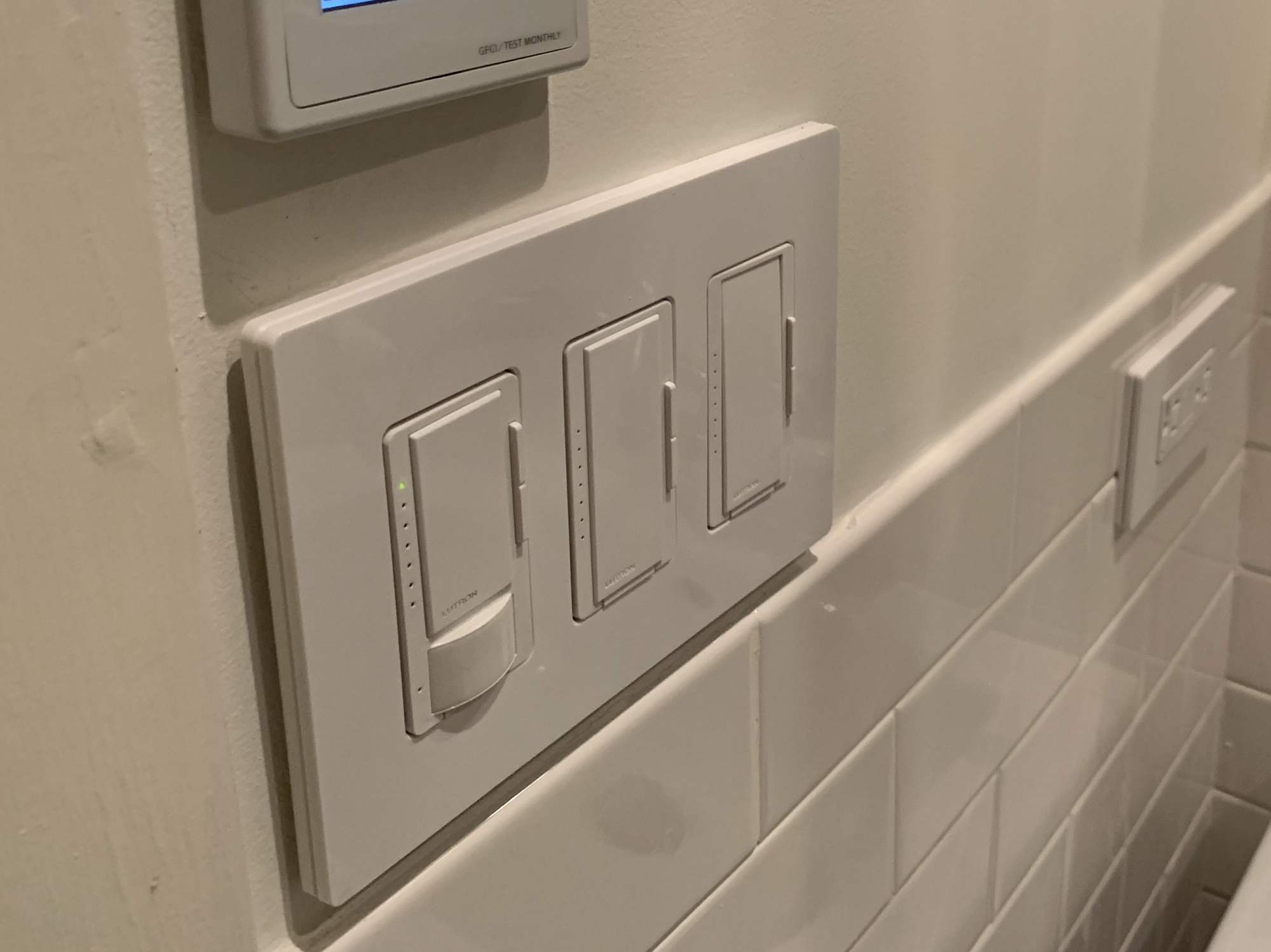 hight resolution of motion sensor light switch