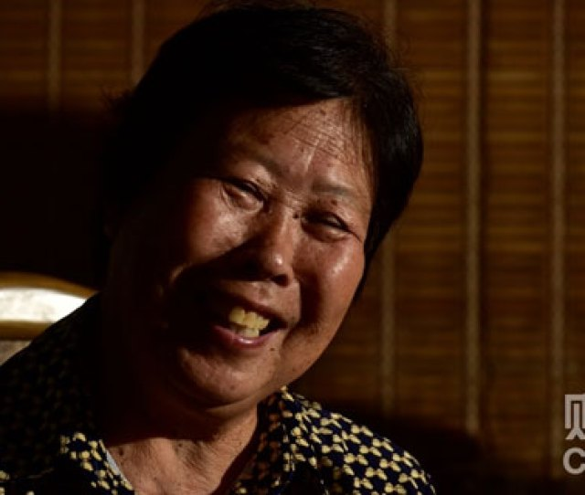 Zhang Huanzhi Nie Shubins Mother Smiles After Learning About The Supreme Courts Decision To Reopen