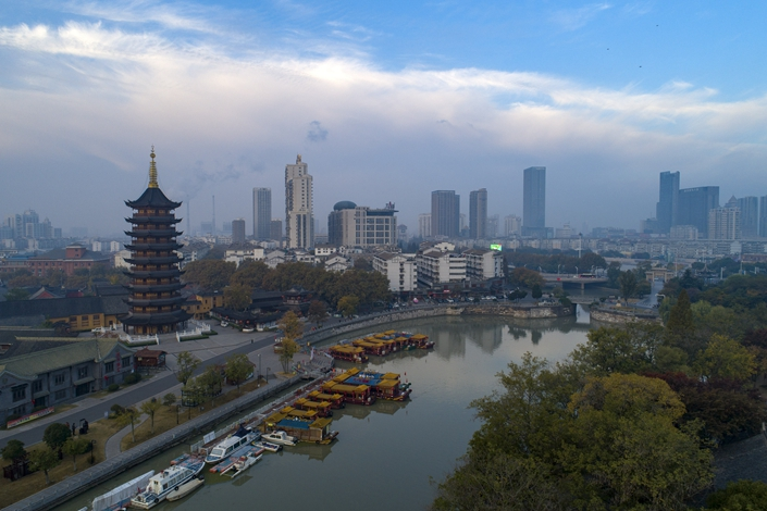 Rising Air Pollution Across China Clouds Clear Skies in Beijing ...