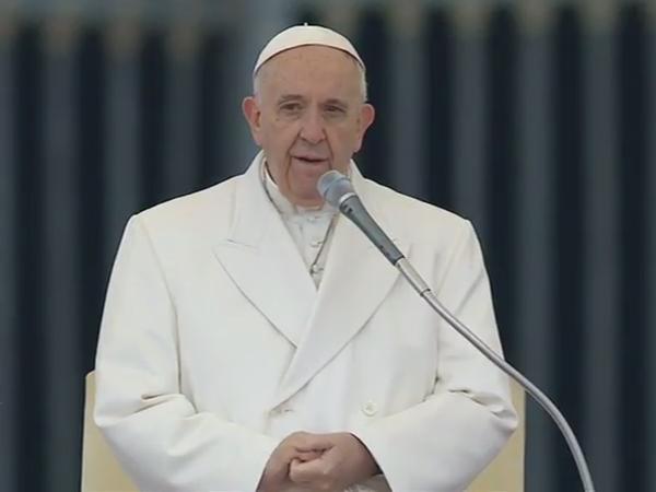 No frio da Europa, Papa vai À Praça São Pedro para tradicional catequese / Foto: Reprodução CTV