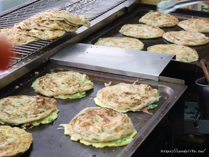 20181023202728 79 - 台南必吃小吃!史上最浮誇的鮮蚵蔥抓餅,就在天香蔥抓餅